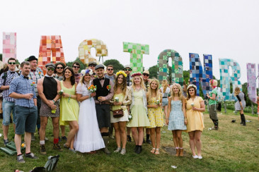 Glastonbury Festival Wedding Photography // Katie & Stu