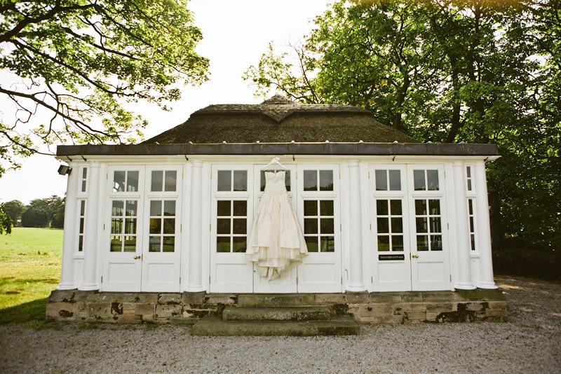 thatched cottage wedding photographer
